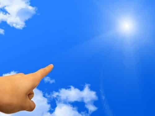 目標に向かって指を差すイメージ