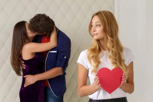 気に入っている男性が他の女性とキス